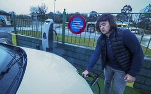 Solo diez gasolineras tienen puntos de carga para coches eléctricos