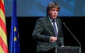 Puigdemont dice que el discurso del Rey es «un aval a Vox» y la ultraderecha