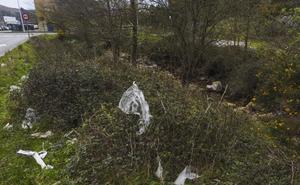 El plástico amenaza los ríos cántabros