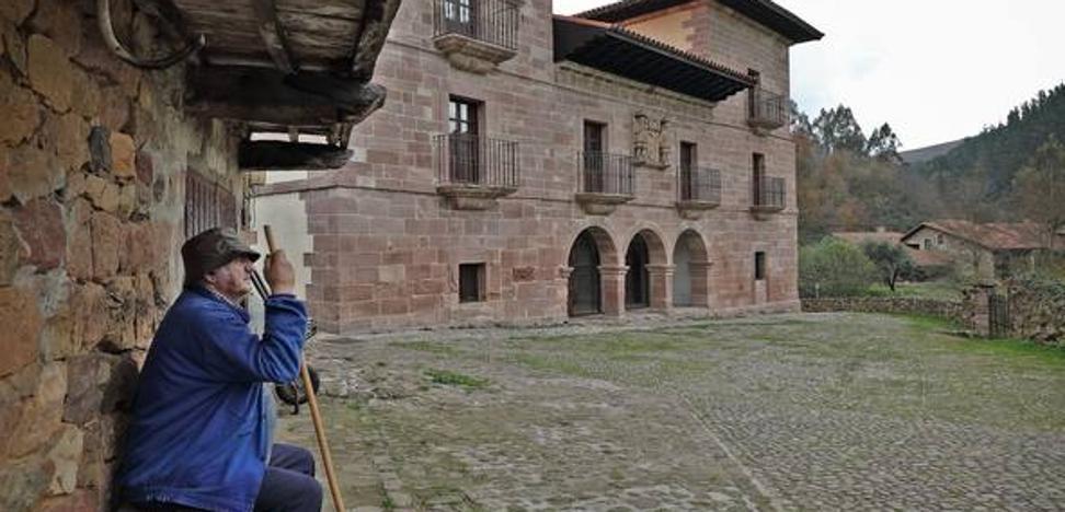 El Gobierno pretende inaugurar la Casona de Carmona el 31 de diciembre