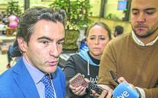 La UC investigará si las firmas de un tribunal de contratación en el que participó Casares son falsas