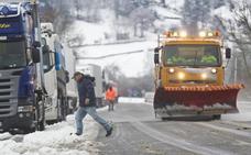 Cantabria y Castilla-León estrechan la colaboración para afrontar el invierno en las carreteras