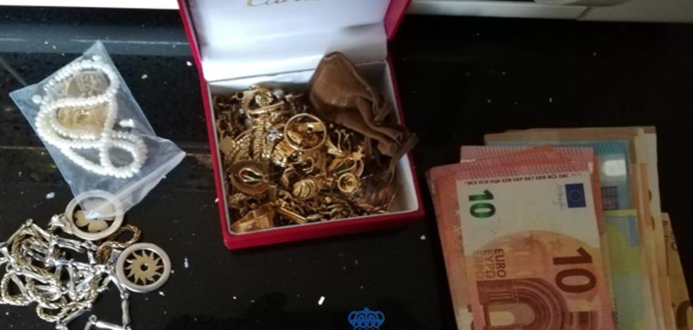Detenidas dos mujeres de Europa del Este por robar en una vivienda de Marqués de la Hermida