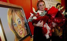Lourdes Verdeja recoge el premio a la Mujer Relevante