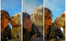 La diseñadora Kakun Elosua y su perro Blas, dos amigos inseparables