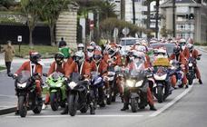 Los Papa Noeles sobre ruedas invaden Santander