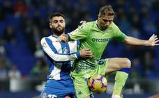 El Betis apuntala su excelencia y hunde al Espanyol