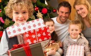 Los niños no deben ser «hiperregalados» en Navidad