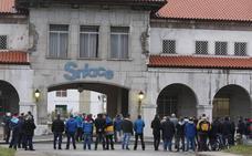 La plantilla de Sniace se moviliza ante el incumplimiento de los acuerdos por parte de la empresa