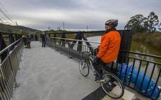 El puente de Solía vuelve a unir El Astillero con Villaescusa