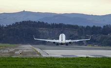El temporal de viento desvía dos vuelos y deja 58 incidencias en Cantabria