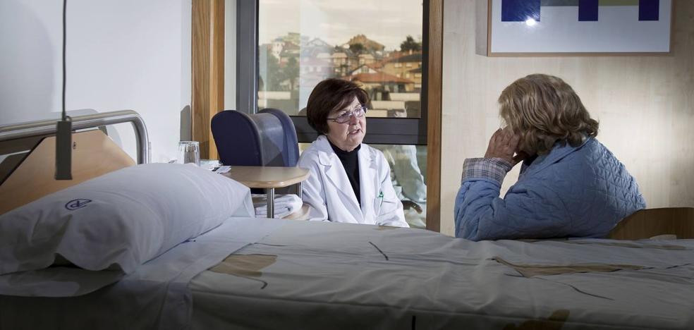 Los pacientes recién diagnosticados de cáncer y sus familiares recibirán atención psicosocial en Valdecilla