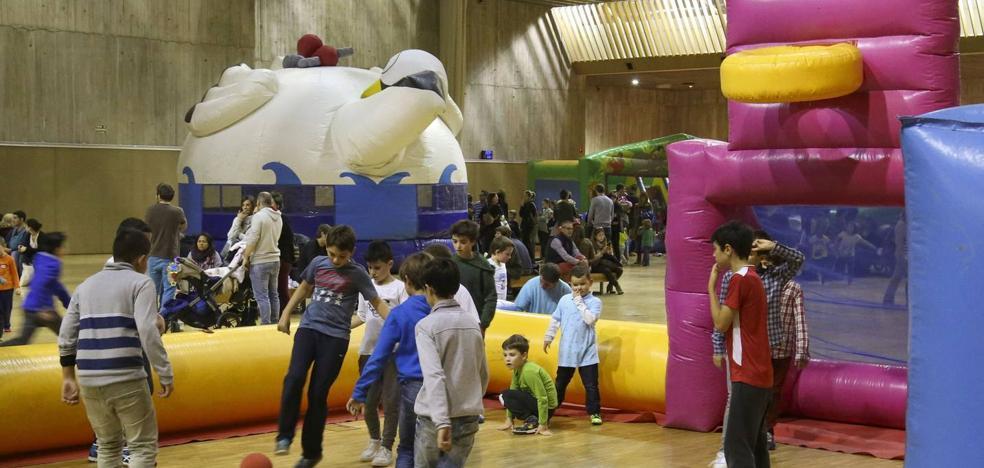 El Palacio de Exposiciones acoge desde el viernes el parque de ocio Navipark