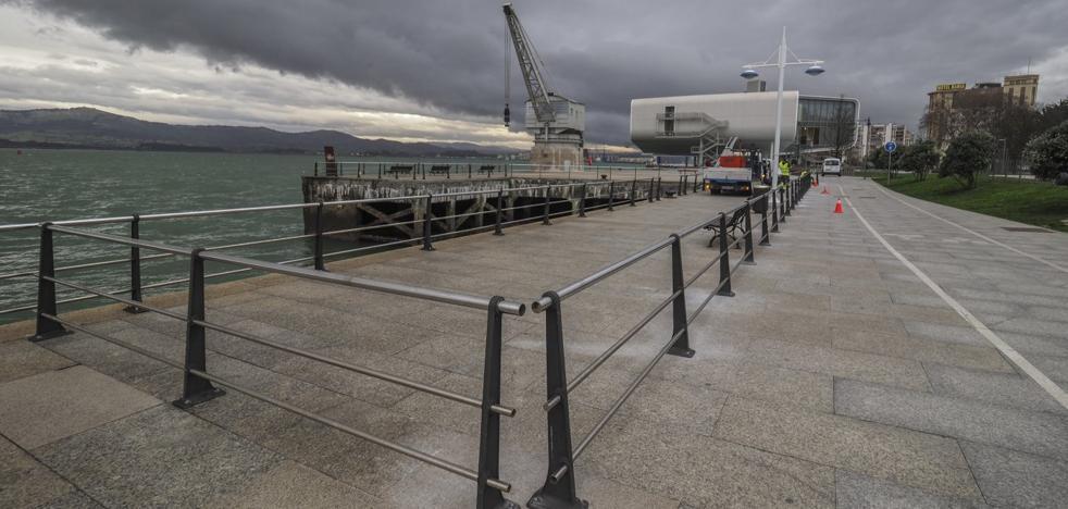 El Puerto cierra parte del Paseo Marítimo de Santander por las deficiencias de su estructura