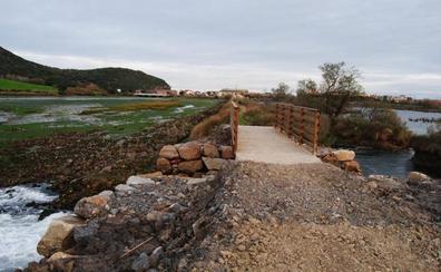 El dique de Bengoa, en la marisma de Santoña, vuelve a ser transitable