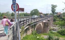 Cartes desdoblará el puente sobre el Besaya con nuevas aceras y carril bici