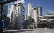 La gran industria cántabra urge al Gobierno a seguir abaratando la factura energética