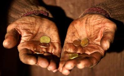 Un sin techo devuelve una cartera con 1.000 euros