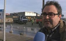 Vecinos de La Albericia denuncian las obras de un bloque de viviendas: «Nos están dejando el barrio hecho un asco»