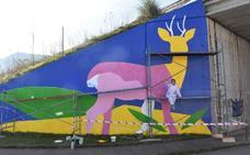 Los Corrales aprovecha sus artistas para llenar de color el municipio