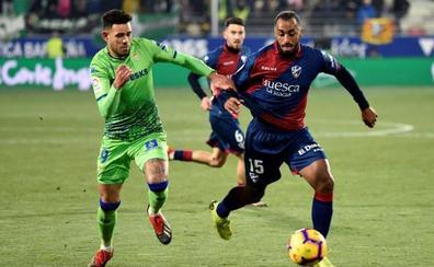 El Huesca remonta para ganar su primer partido en Primera como local