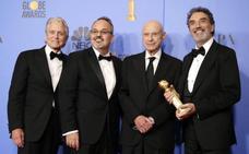 Los Globos de Oro bendicen a 'El método Kominsky' y despiden a 'The Americans'