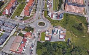 Un perro de raza peligrosa muerde a un padre y a su hijo en una urbanización de Santander