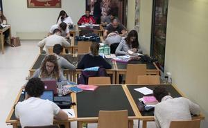 La UC amplía los horarios de las bibliotecas y aulas de estudio ante la llegada de los exámenes
