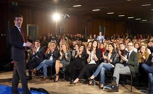Casado presume de «centralidad» tras el pacto con Vox y Cs en Andalucía