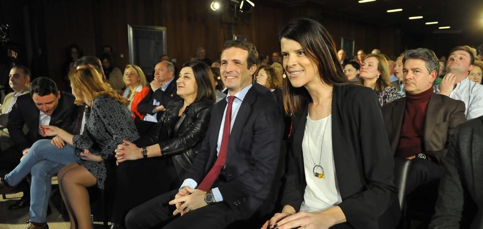 Así fue la llegada de Pablo Casado junto a las candidatas del PP en Cantabria