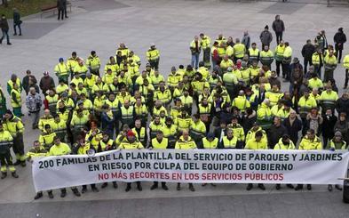 Los trabajadores Parques y Jardines de Santander han vuelto a protestar por la posible reducción de plantilla