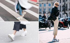Las deportivas blancas, un básico de moda para comprar en rebajas