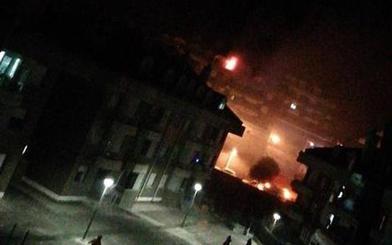 Un intoxicado por inhalación de humo en el incendio de un ático en Castro Urdiales