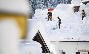 La tormenta blanca se apodera de la región alpina