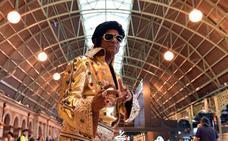 Miles de fans de Elvis Presley rumbo al festival del rey del rock para encontrar a su mejor imitador