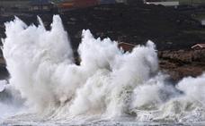 Investigadores del IH previenen de que el calentamiento global incrementa cada año la potencia de las olas