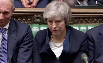 El Parlamento británico castiga a May al rechazar su 'brexit' por una mayoría aplastante