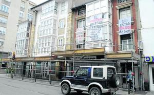 «Nuestras casas no son un peligro, lo es la gestión del Ayuntamiento de Reinosa»