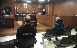 El acusado de abusos sexuales a un menor niega que ese día estuviera en Noja