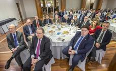 Imágenes del Foro Económico de El Diario Montañés, que ha tenido a Revilla como ponente