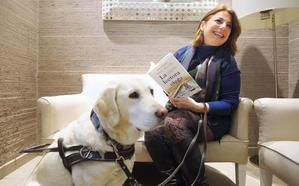 Paqui Ayllón: «Nunca olvidaré el último libro que pude leer en papel con mis ojos»