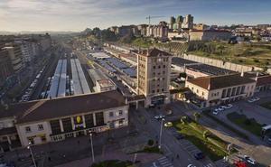 Zuloaga garantiza los plazos de la integración ferroviaria de Santander y Torrelavega