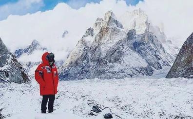 Txikon llega al campo base del K2