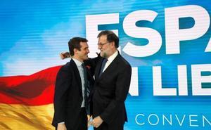 Rajoy y Feijóo reivindican la moderación en política ante un PP temeroso de Vox