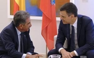 Revilla reclama por correo a Pedro Sánchez hablar del «vital» tren a Bilbao