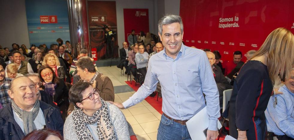 Zuloaga arremete contra Revilla y dice que Cantabria necesita «un presidente a tiempo completo»