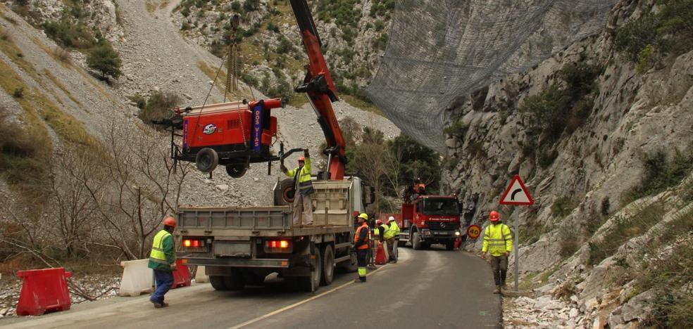 Los alcaldes de Liébana temen la paralización de las obras en el Desfiladero