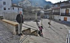 Puente Viesgo estrena la nueva imagen de la plaza del Cuco