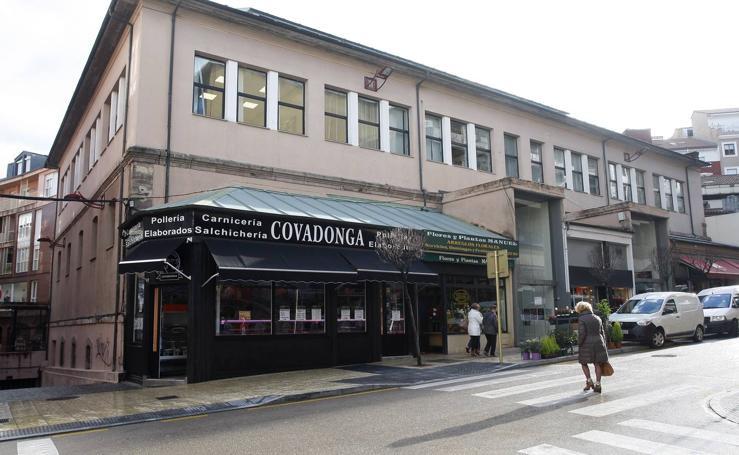 La reforma y modernización de la Plaza de Abastos se queda a medias