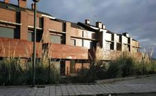 Equo denuncia el problema que suponen los «cadáveres urbanísticos» de Miengo